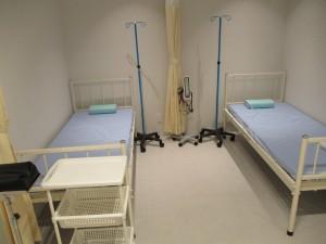 処置室のベッド